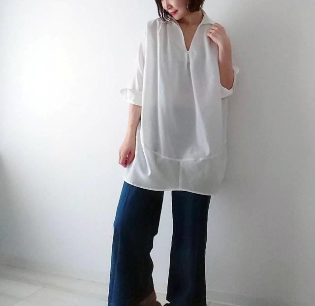 カジュアルすぎない白シャツで40代リラックスコーデ。_1_1
