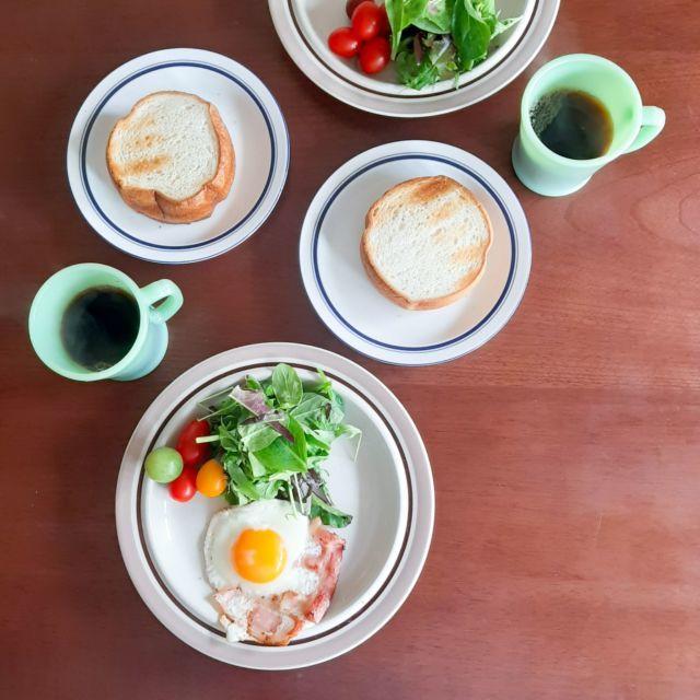 BREAD&CIRCUSの天然酵母パンで朝食