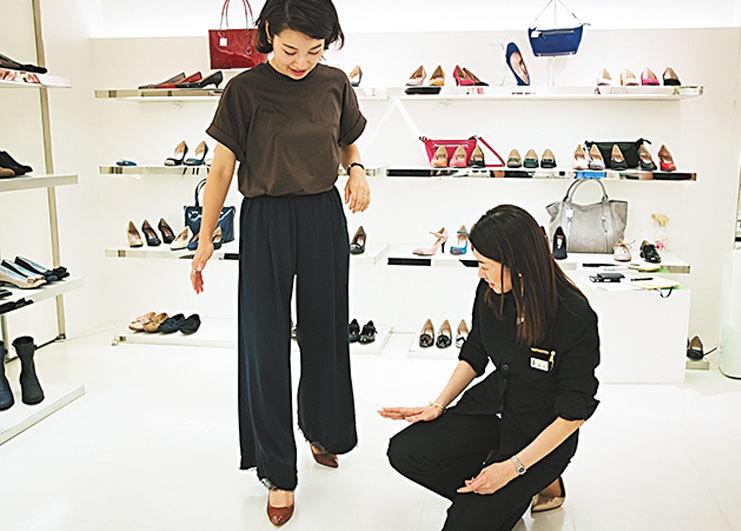 「ヒール靴選びの正解」から「女っぷりタックパンツコーデ」まで【人気記事ランキングトップ5】_1_1-1