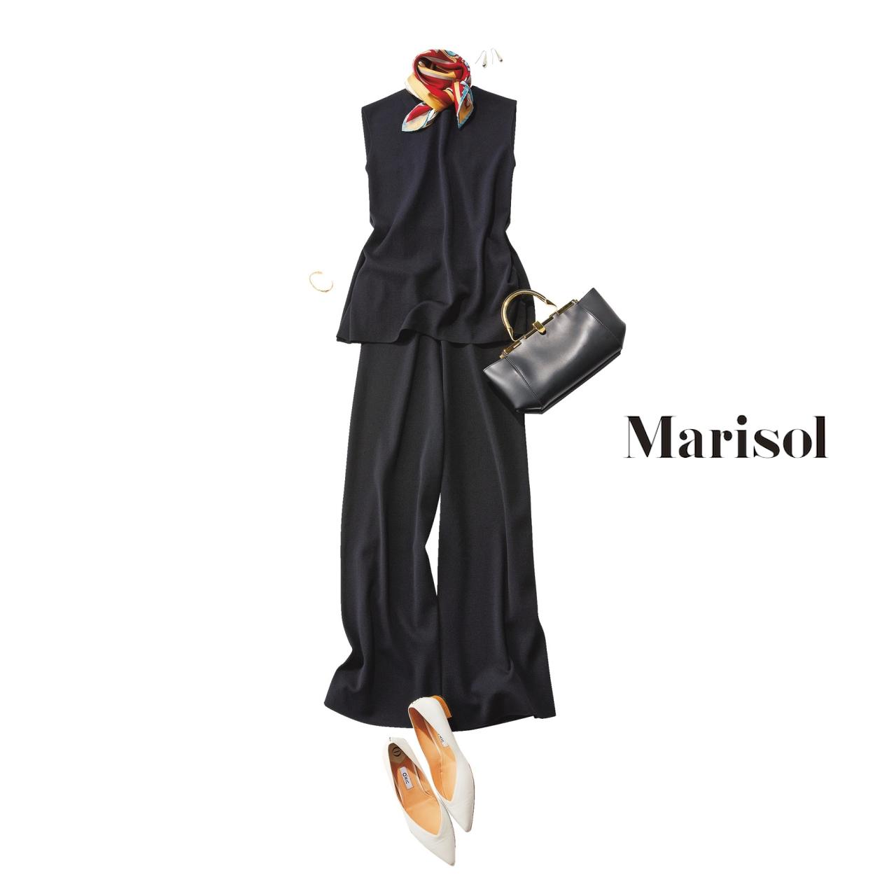 40代ファッション 黒ニット×黒ワイドパンツコーデ