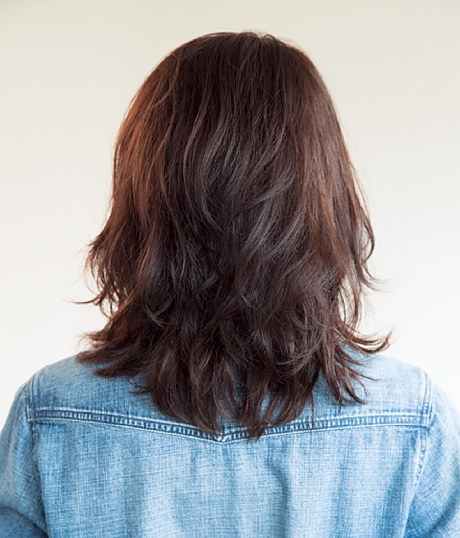 シルエットは丸く。ウルフベースのミディアムヘアは髪のパサつきもカバー!【40代のミディアムヘア】_1_3