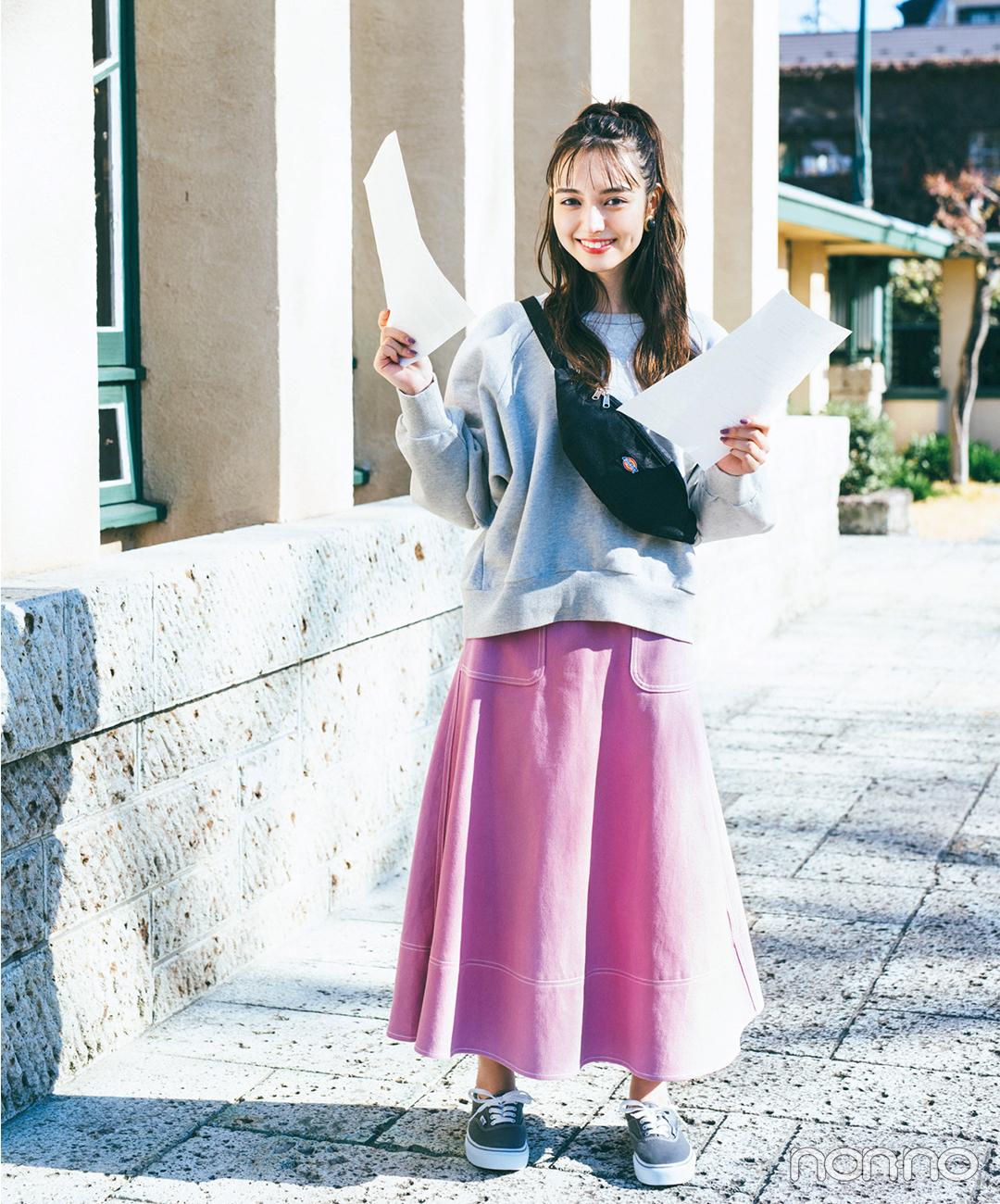 ガーリーなピンクスカートをスウェットでスポーツミックスが気分【毎日コーデ】