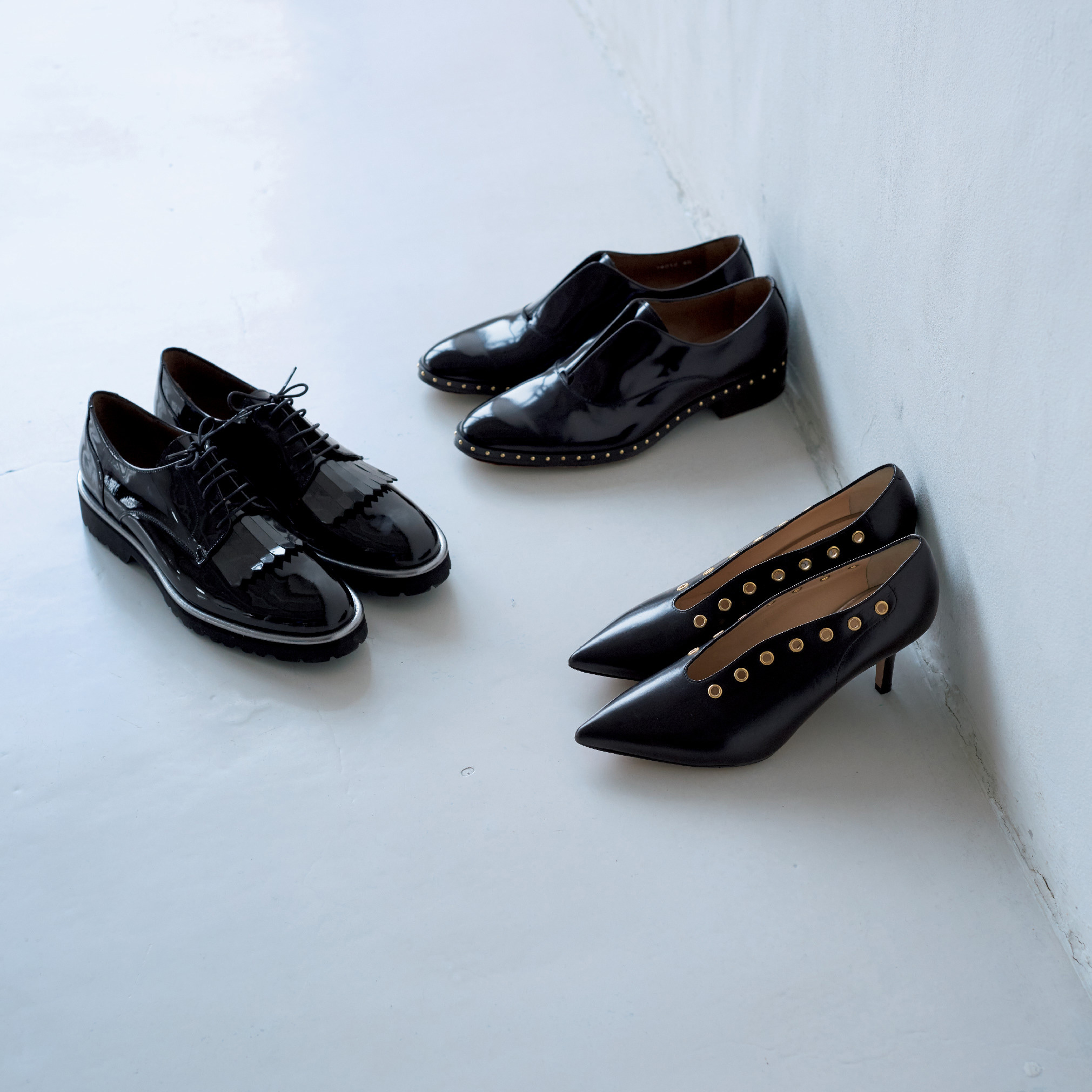 ペルティーニ&ペリーコのツヤ黒靴で足もとから旬をとり入れて_1_1