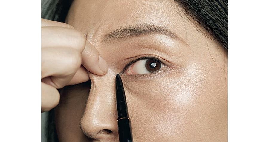 2:目の美しさを主張する歌舞伎ライン