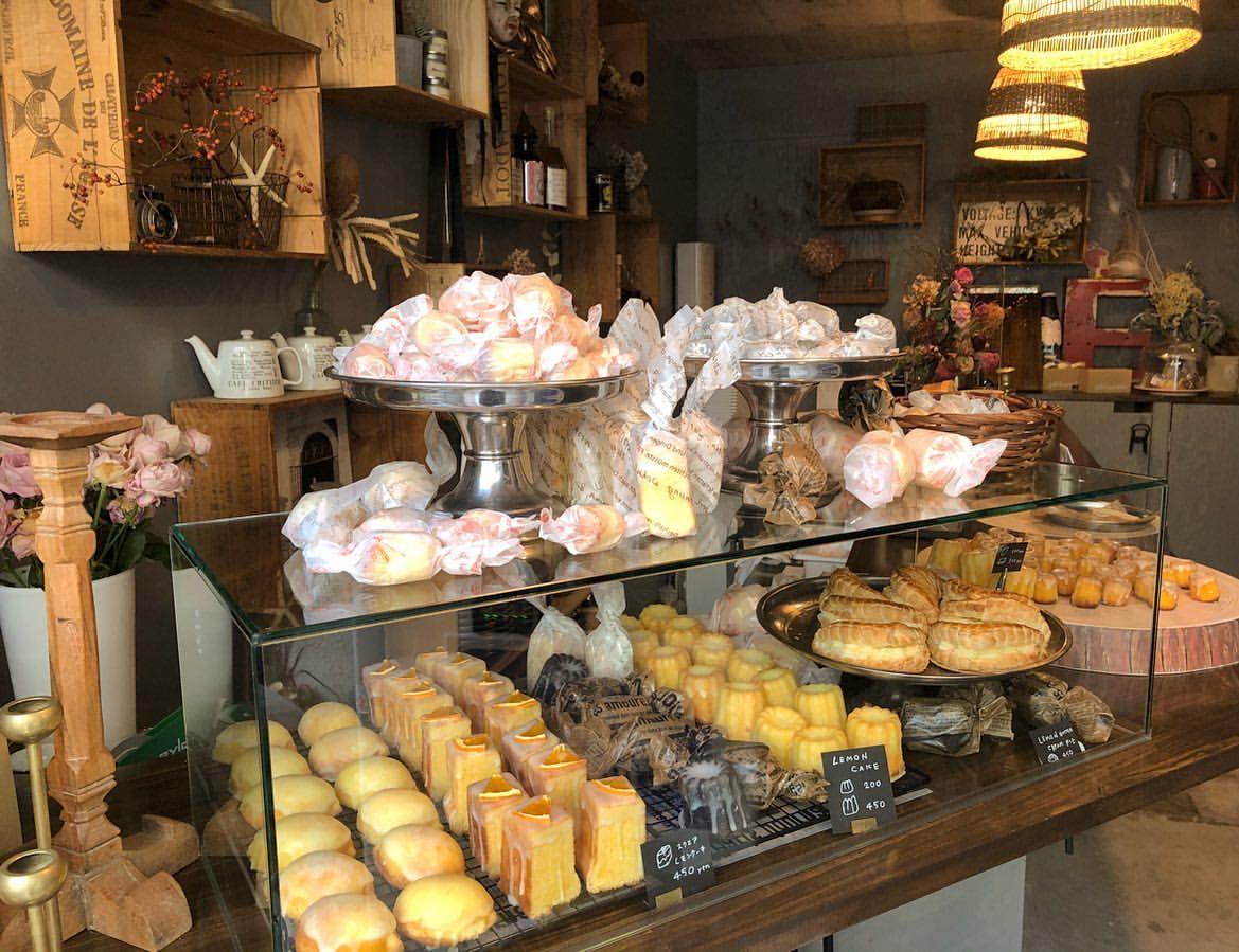 兵庫県姫路市になるレモンケーキ専門店【レゾンデートル】のおしゃれな店内