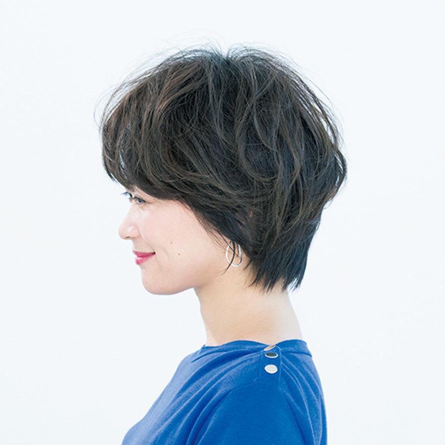 フェミニン派はマッシュフォルム×ふんわりパーマを合わせて【40代のショートヘア】_1_1-2