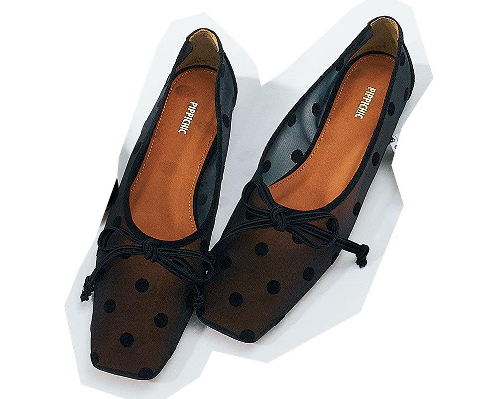 チェンバーのドット柄フラット靴