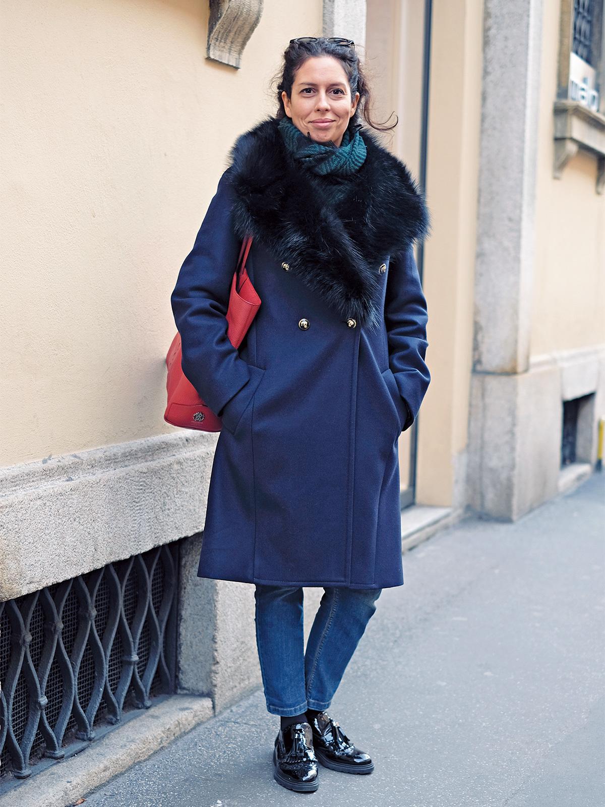「赤のさし色」で着こなしブラッシュアップ【ファッションSNAP ミラノ・パリ・NY編】_2_1-1
