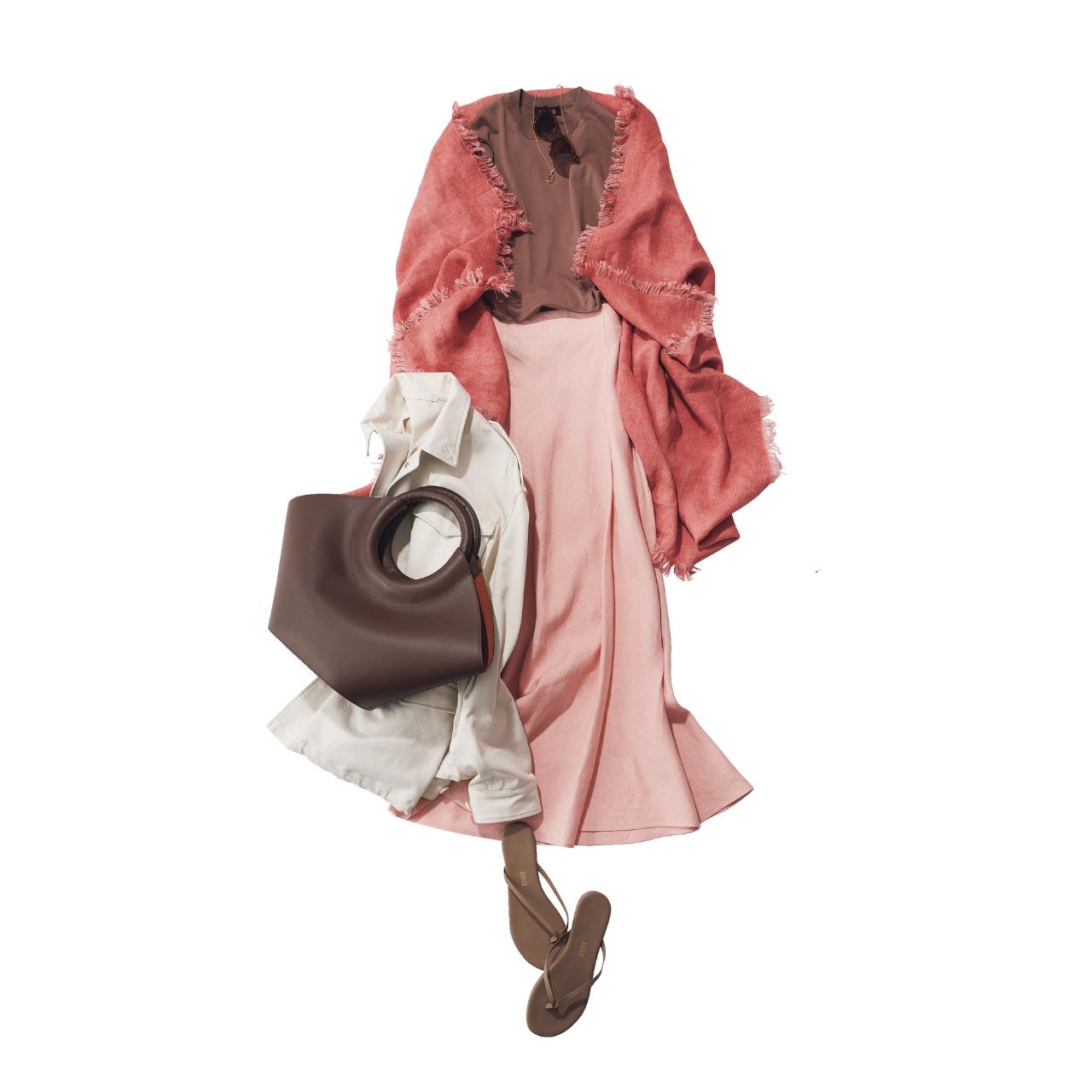 【大人のためのビーサン】アラフォーのカジュアルコーデに似合うビーサンのあわせ方&選び方|40代ファッション_1_2
