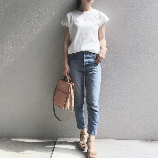 白Tシャツとデニムで過ごす夏のベーシックスタイル_1_3-1