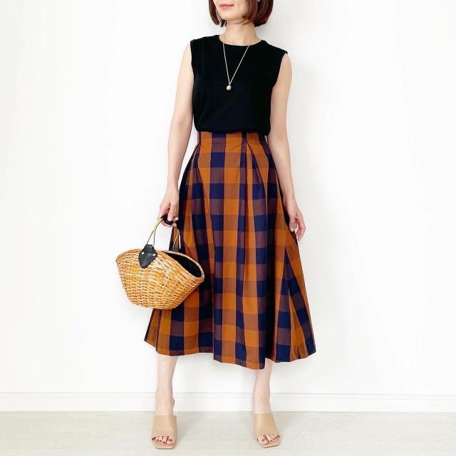 夏から秋まで!長く着られるスカート【tomomiyuコーデ】_1_1