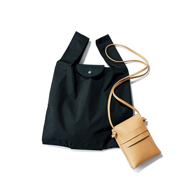 ポシェットを広げると エコバッグに変形。仕事にもふだんにも便利な2WAY