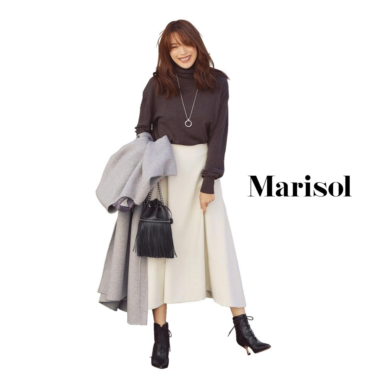 40代ファッション ニット×白スカートコーデ