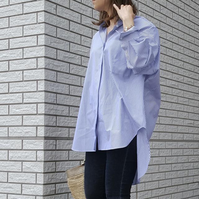 ブルーのストライプシャツで初夏の爽やかワンマイルコーデ_1_2
