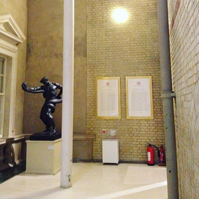 ロンドンの美術館の、戦える人物。_1_1-3
