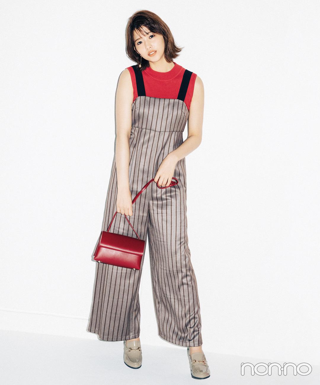 【赤ニットコーデ】高田里穂は、マドラスチェックのスカートで飾らないオシャレを満喫