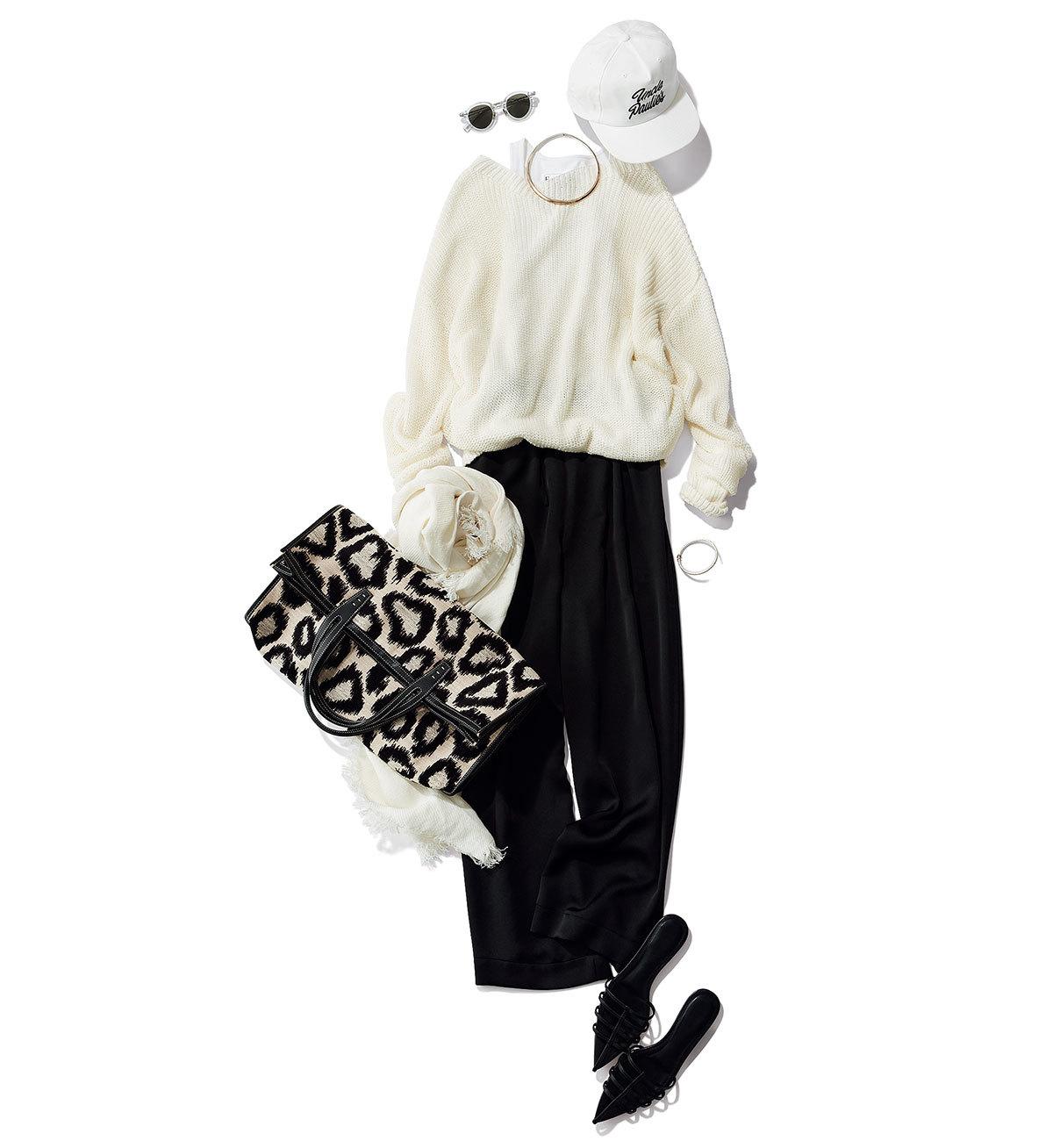 カジュアルな白とモードな黒4
