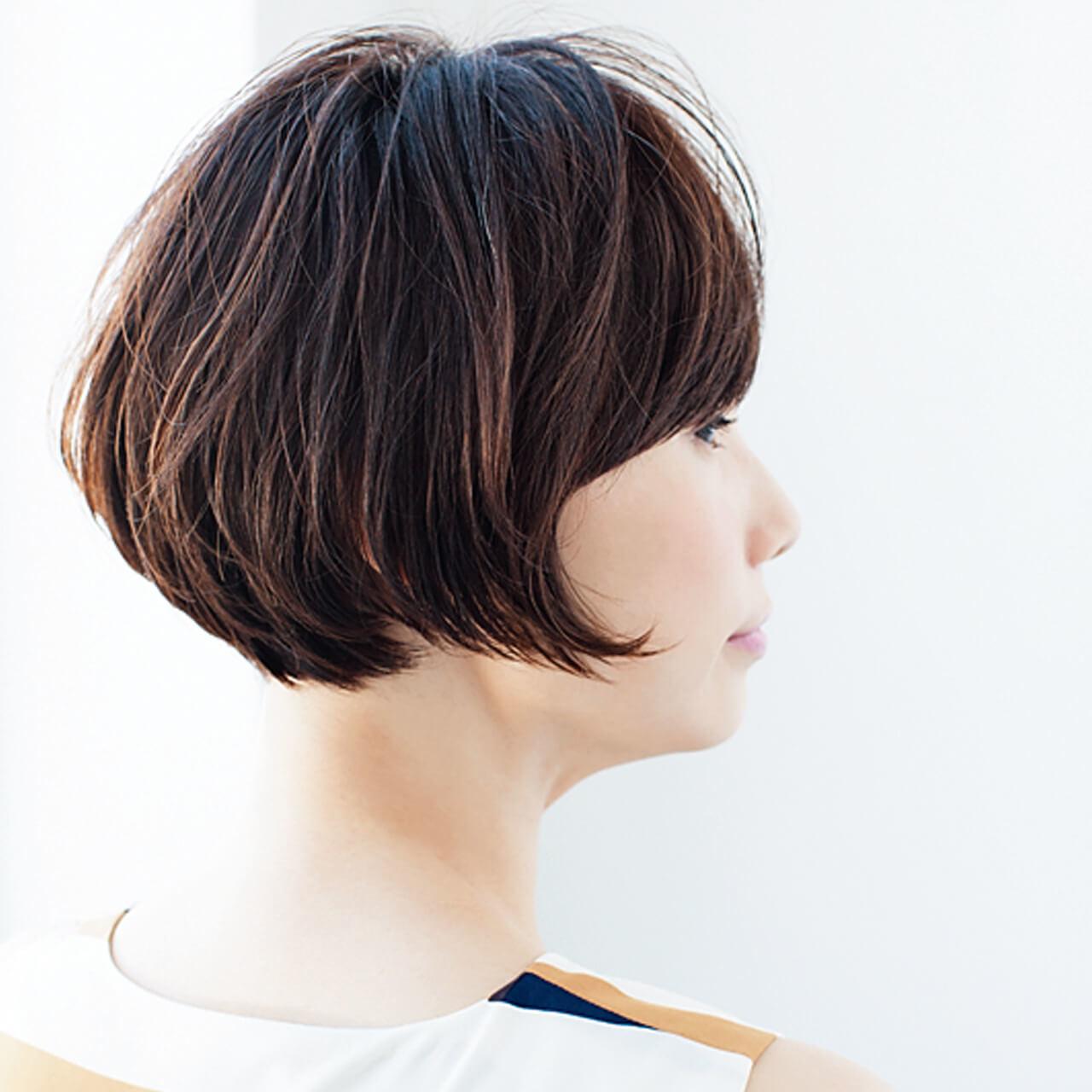 束の動きが透け感をサポート。毛量が多くても涼しげ【40代のショートヘア】_1_2