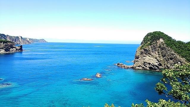 北海道 積丹の海。これぞ積丹ブルー。