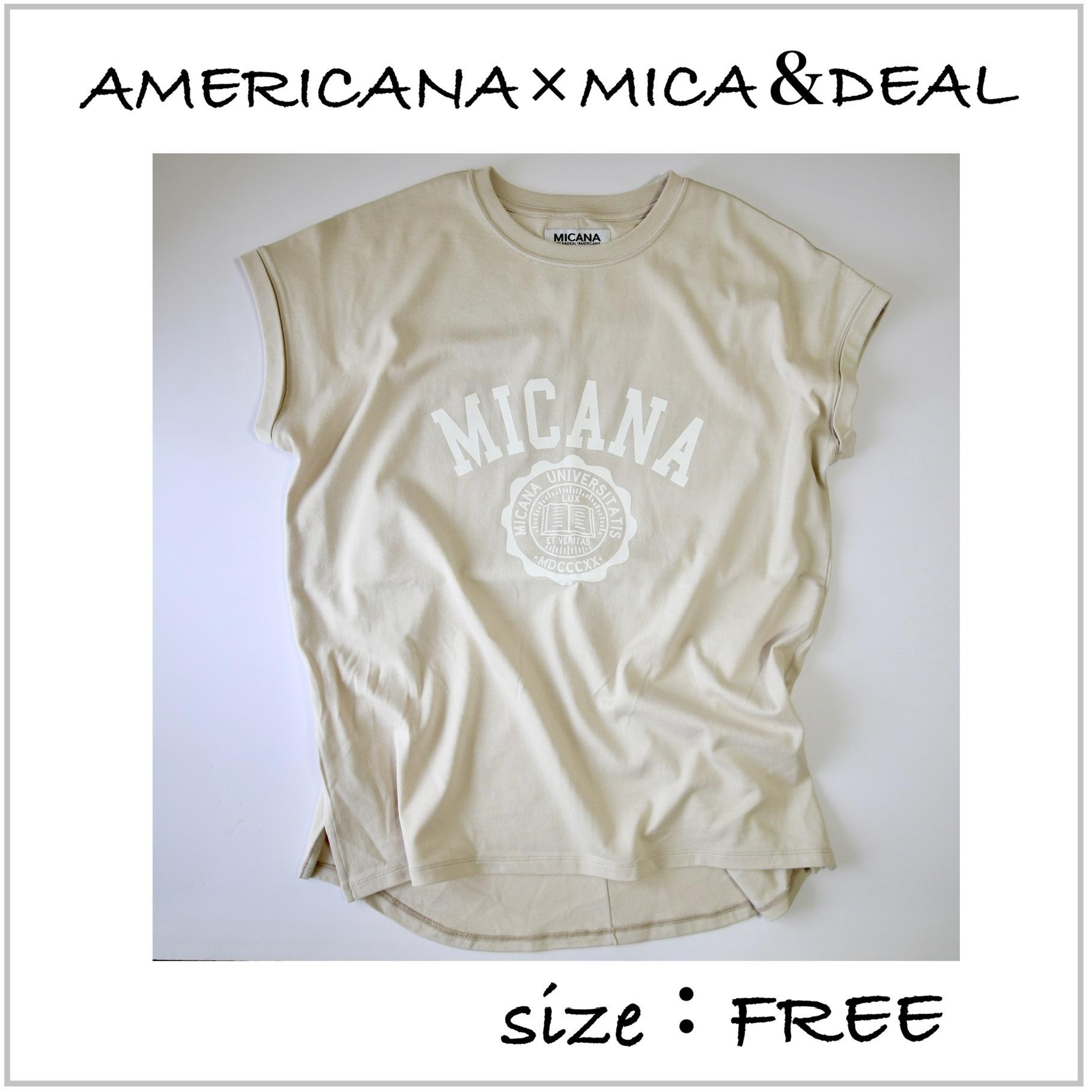 小柄  【AMERICANA】×【MICA&DEAL】カレッジロゴTシャツ