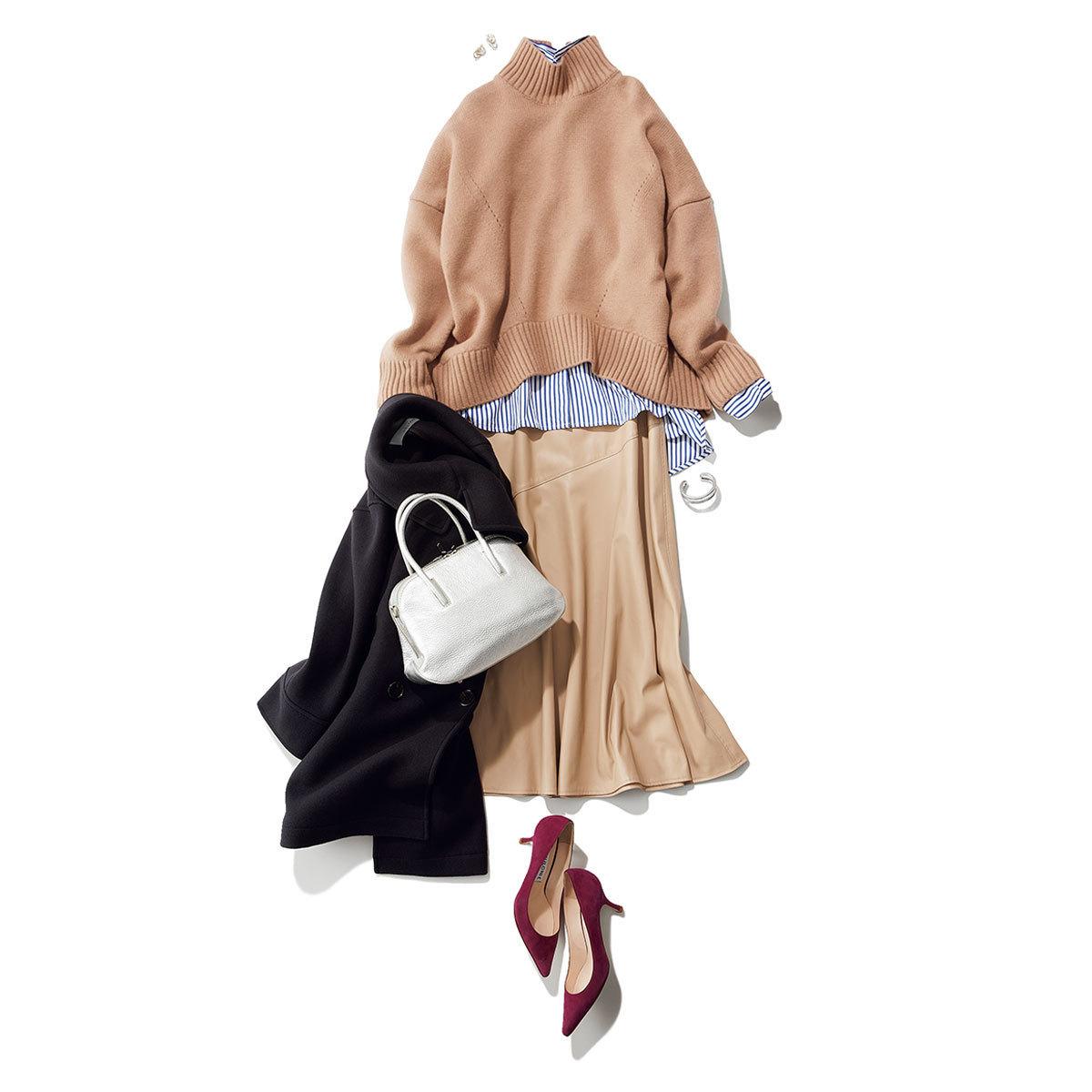 エコレザースカートとシャツ、ニットのワークスタイル