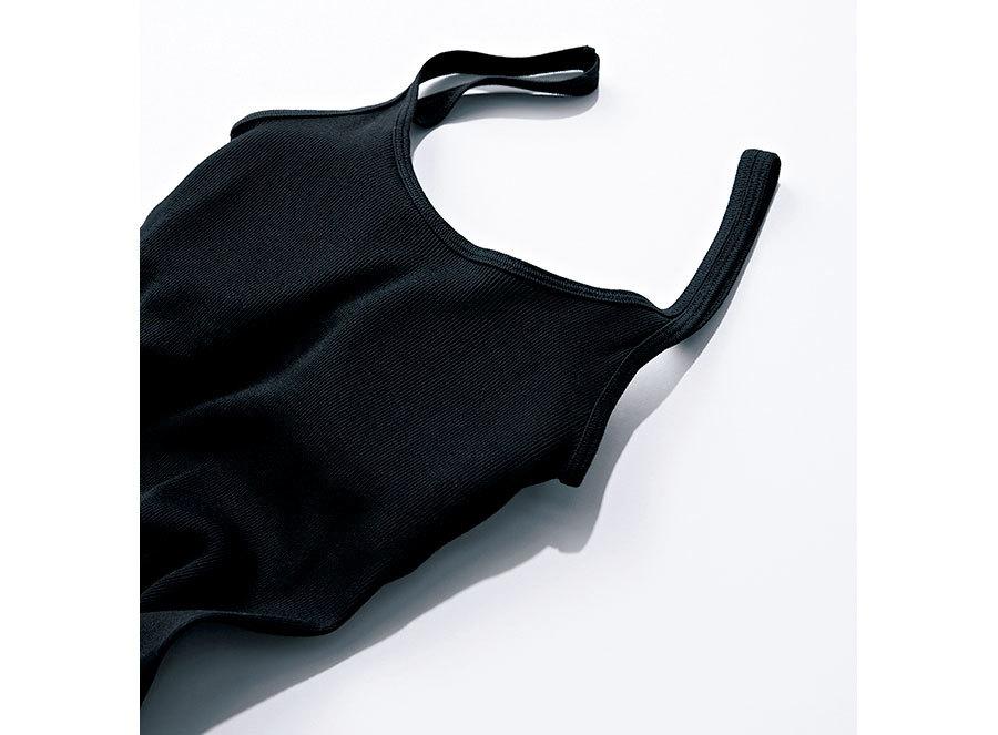 SHIHOが着るブラウンTシャツコーデ