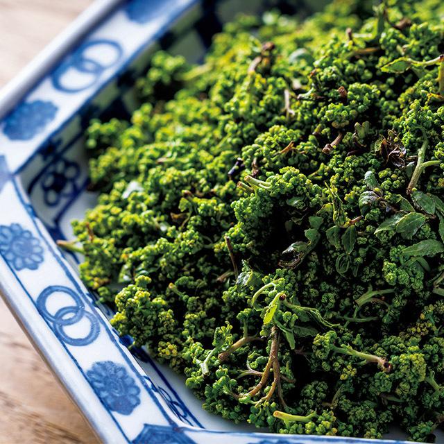 花山椒は口当たりのよい雄花を使い、鍋は4~5月に楽しめる。