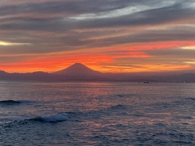 湘南 海 デュアルライフ 夕焼け 富士山