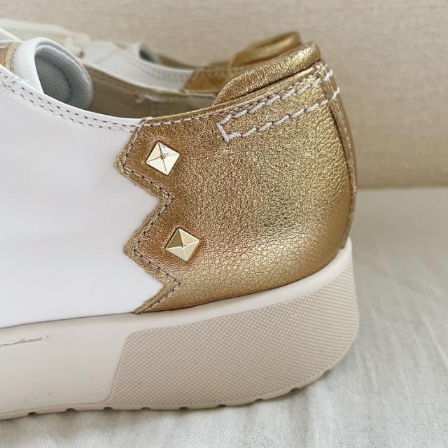 呼吸する靴のGEOXのスニーカー_1_2