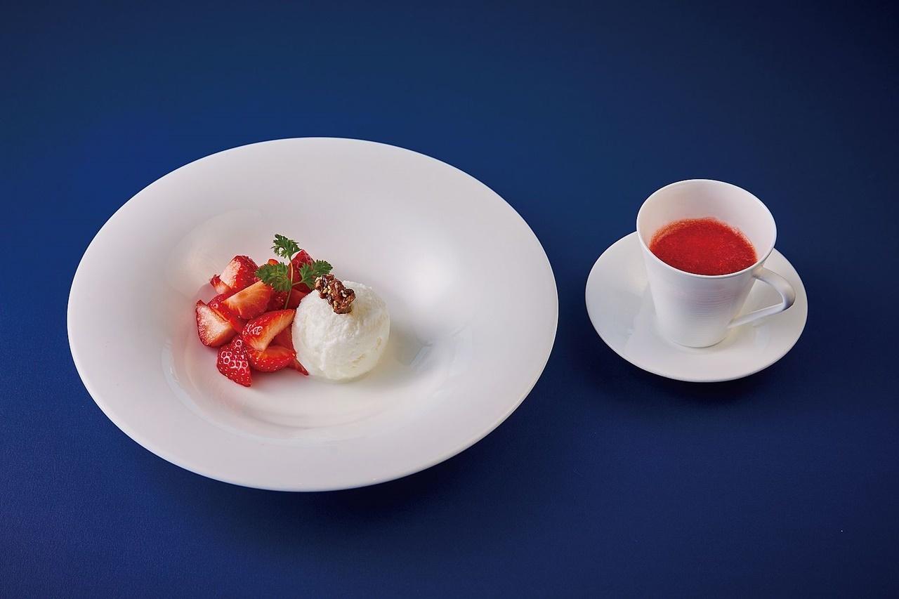 SILIN 火龍園(シリン/ファン・ロン・ユェン) 「五香粉のアイス 温かいいちごのソース」