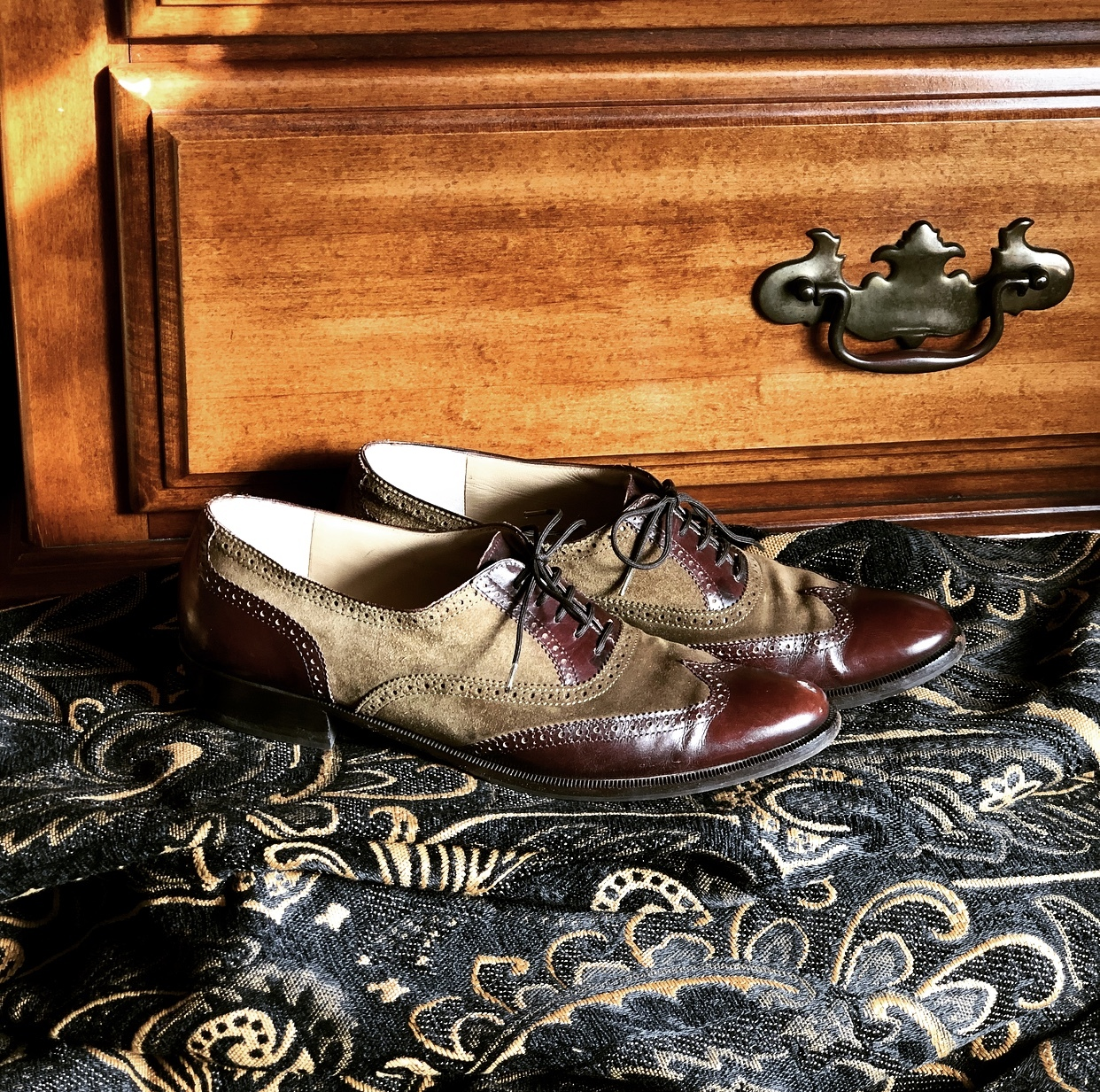 ぐっとくる靴。Ferragamoカーキのウイングチップ_1_1