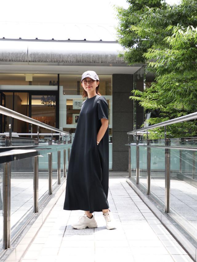 【真夏こそ映える黒コーデ】重たく見えず、シックに決まるアラフォーの黒コーデまとめ|40代ファッション_1_22