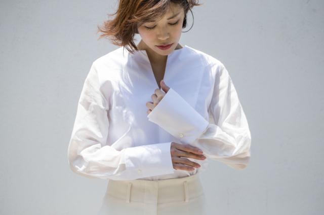 凛とした大人の『白シャツ』_1_2