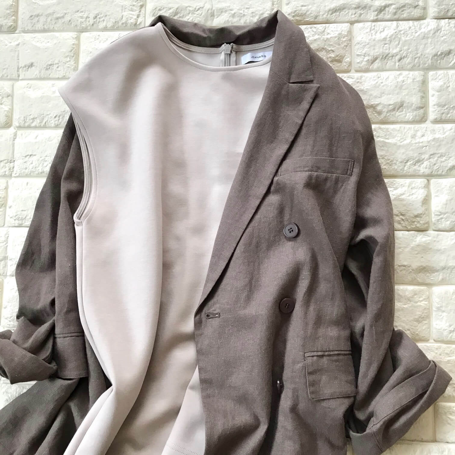 ミラオーウェンのジャケットの生地説明画像