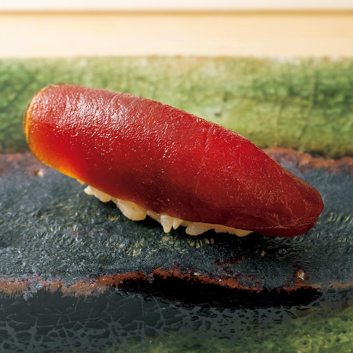 京都の三条京阪にある寿司店「鮨 楽味」のマグロのヅケ