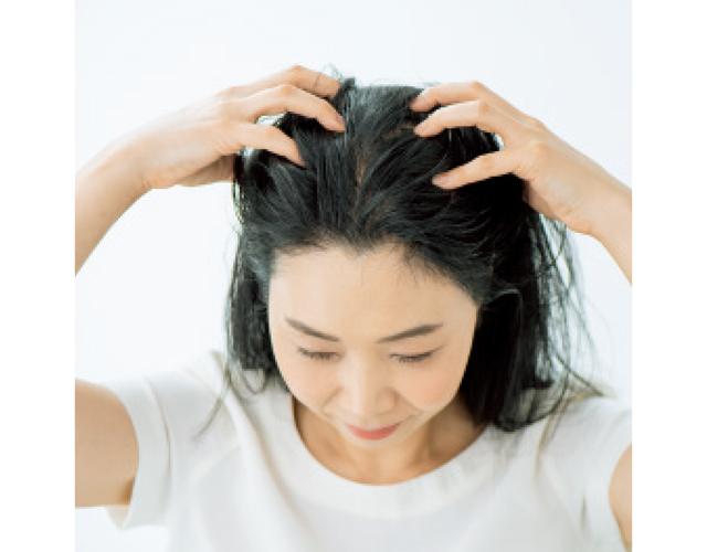 トータルビューティーアドバイザー 水井真理子さん マッサージで、生えぎわのうぶ毛を増やす