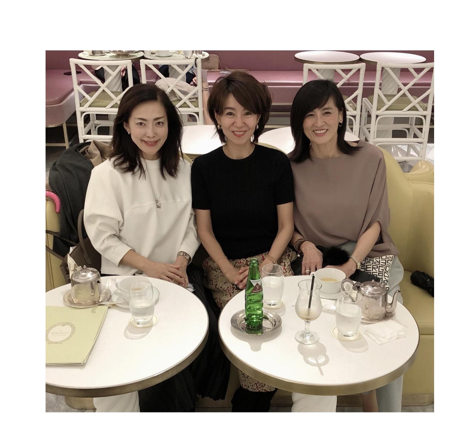 モノトーンコーデで華組ランチ♡_1_5-1