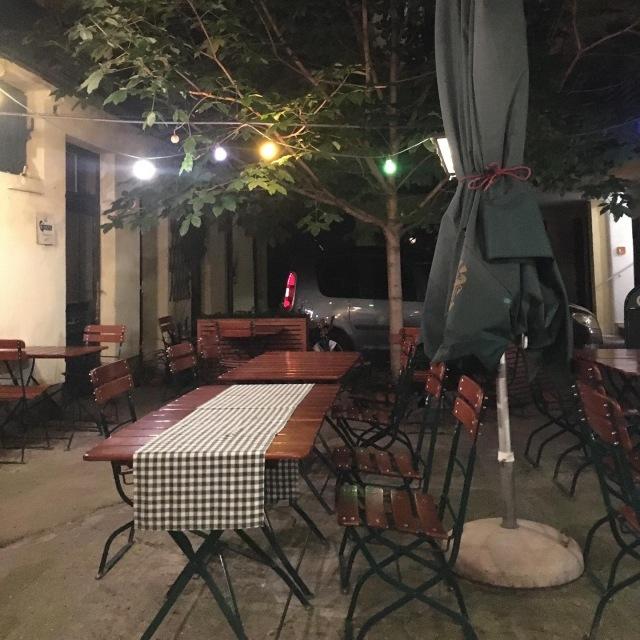 友人とオーストリア料理レストランへ_1_1