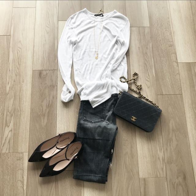 少ない服で毎日のスタイルを楽しむ【40代 私のクローゼット】_1_7