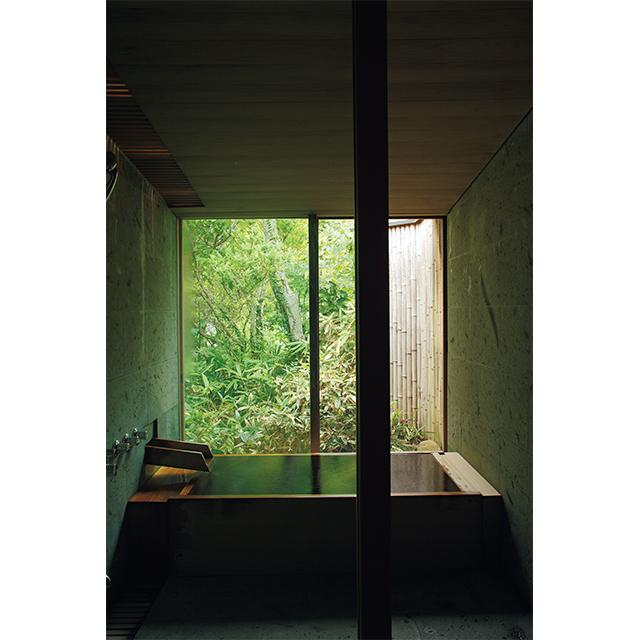 全9室のうち6室に自家源泉かけ流しの檜風呂が備わる