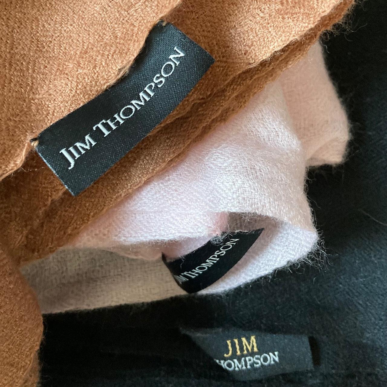 JIM THOMPSONのタグがついたストール