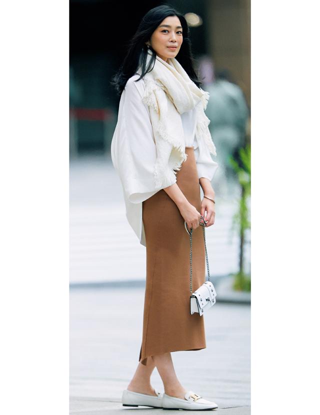 【甘くないスカートコーデ4選】パンツ感覚で使える!媚びない女っぽさが魅力のアイテムを厳選
