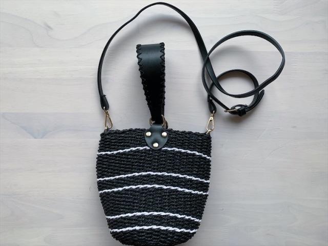 シックな黒のカゴバッグは夏コーデにとっても使える_1_3