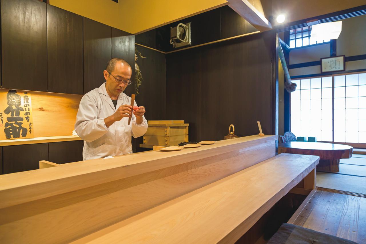 つくりたての和菓子4種とお茶のおまかせを名店のカウンターで 樫舎(かしや)_1_3