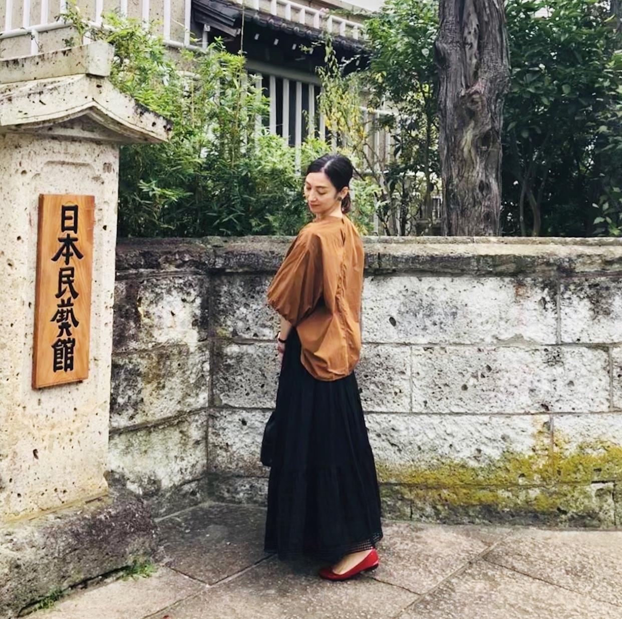 レーススカート+ゆったりトップスで、日本民藝館_1_3