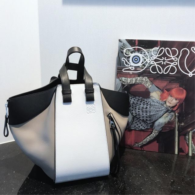 バッグも秋色に。ロエベのハンモックバッグに一目惚れ♡_1_1-1