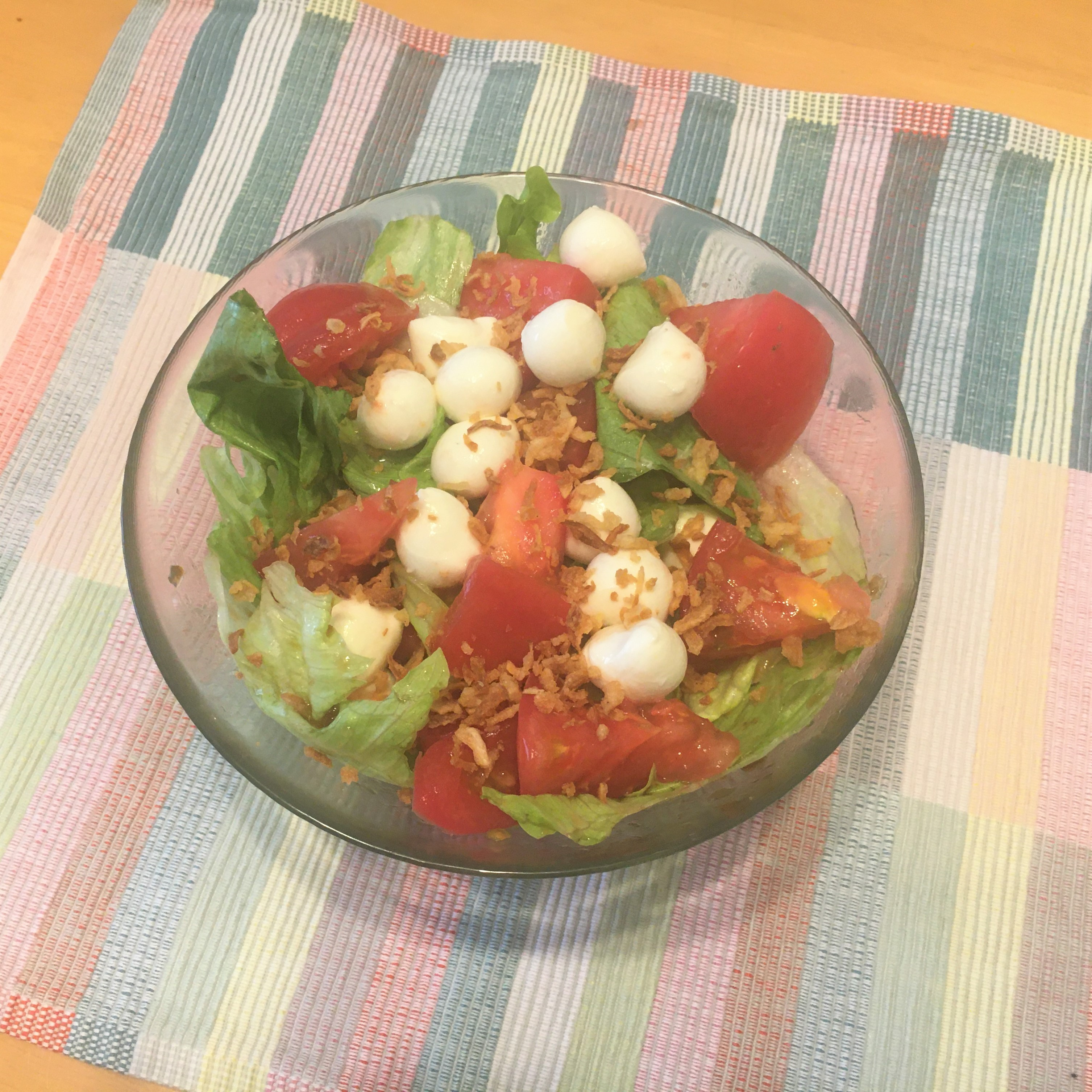 トマトを使ったサラダ