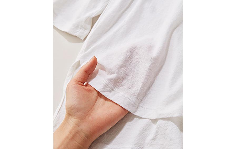 透けすぎ白Tシャツ