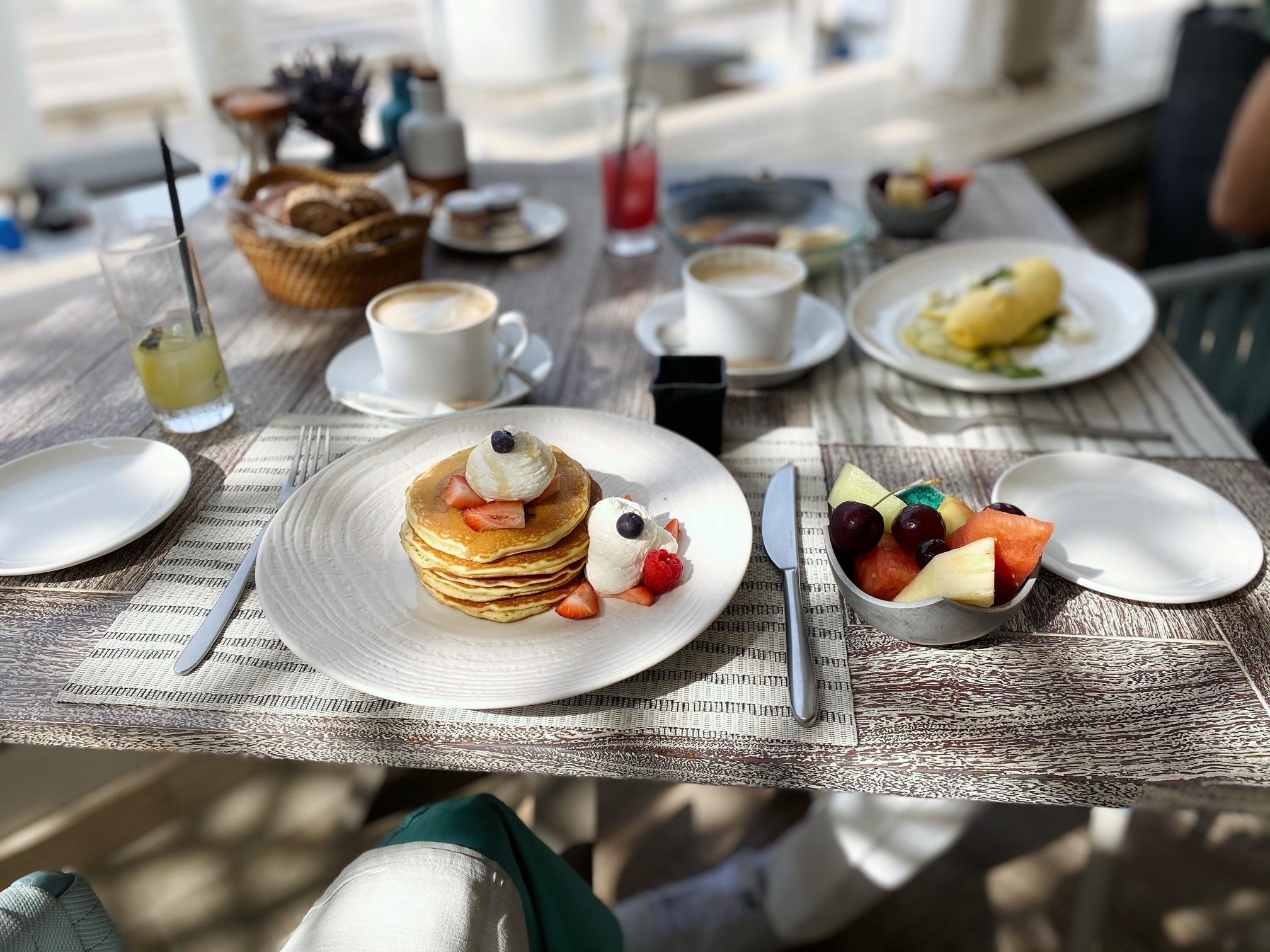 幸せな朝食とリゾートコーデ 〜ドバイ⑩〜_1_3