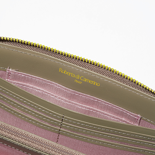 Roberta di Camerino×éclat スペシャルコラボ! 才色兼備なクロコ型押し財布が登場_1_2-3
